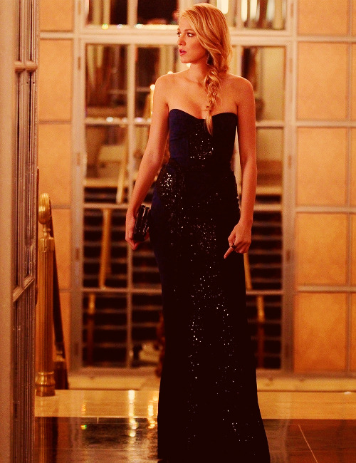 blairsalvatore:  Serena van der Woodsen - 6.05 Monstrous Ball Still