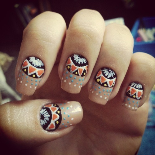unhasgatas:  I love my nails ♥ on We Heart It. http://weheartit.com/entry/40169660