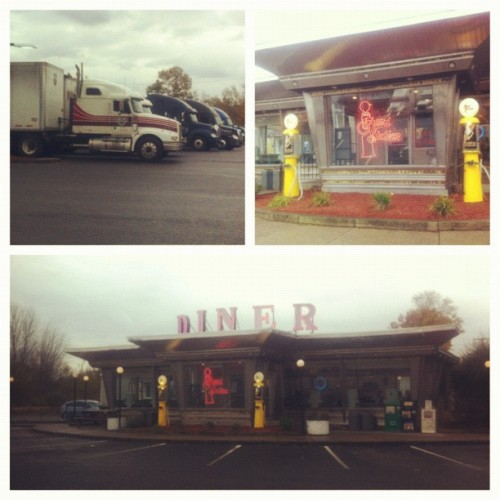 Fill-in Diner, a real truck stop diner. There have been a few movie scenes filmed here.  (Taken with Instagram at Fillin' Station Diner)