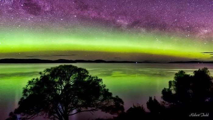 This gallery of photos of the Aurora Australis over Tasmania is well worth a look: Locals snap stunning Aurora Australis.