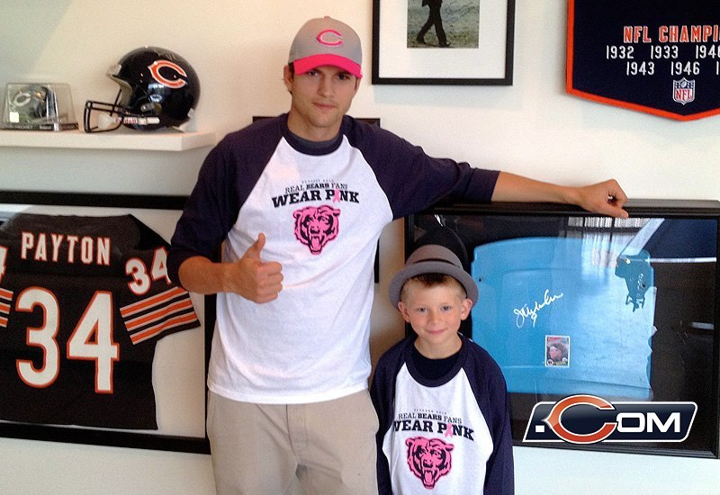 lbstar4u:  Ashton Kutcher's a babe, even more in a bears shirt!