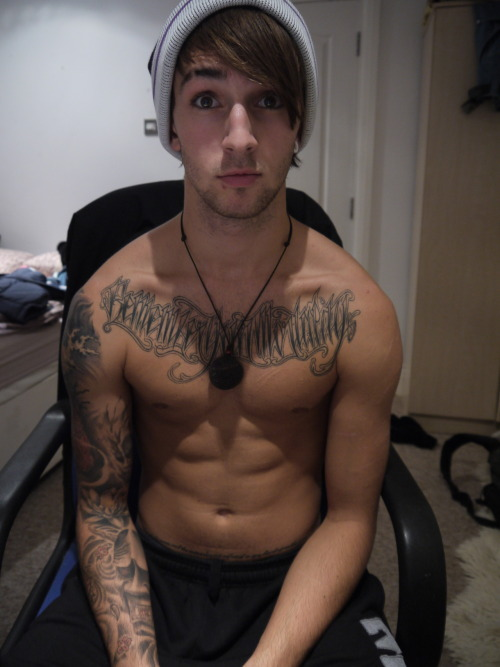 troyisnaked:  marry me . xxx