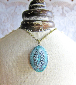 Fairy Fleurs Patina Locket Necklace - JEWELSALEM