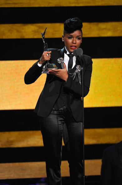 virtuouslyvindicated:  Janelle Monae receiving the Young, Gifted, and Black award at this year's Black Girls Rock show - 10.13.12