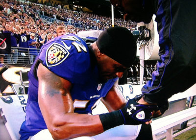 everythingyntk:  Baltimore Ravens linebacker Ray Lewis will be sidelined for the season because of a torn triceps that occurred during Sunday's game.  An MRI examination Monday revealed a complete tear of the muscle. [via FOXSports.com]