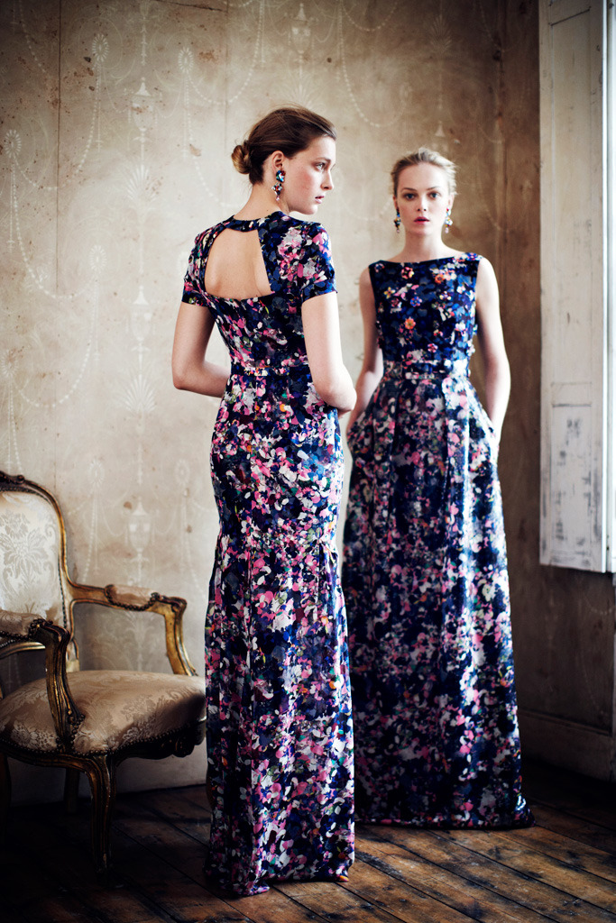 I like the back… it gives an elegance to this busy print. (via Erdem Resort 2013)