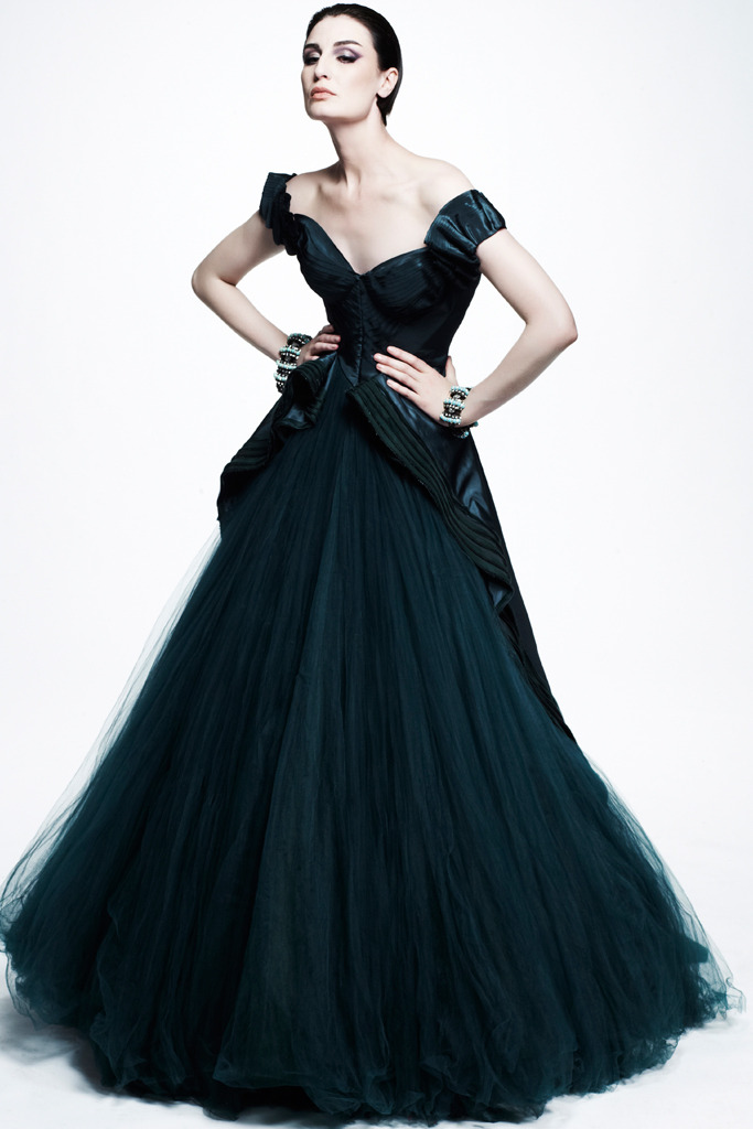 GORGEOUS color. (via Zac Posen Resort 2013)