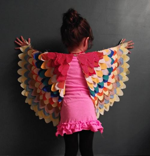 DIY Bird Wings Pattern and Tutorial from Eri at Llevo el Invierno for Prudent Baby here. The pattern measurements are for 18 to 36 months, but you could easily adjust this pattern. *Prudent Baby just posted other bloggers' variations on these wings here.