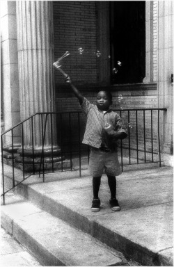 homonoire:  Bubble Boy, Harlem. Matt Weber, photographer.