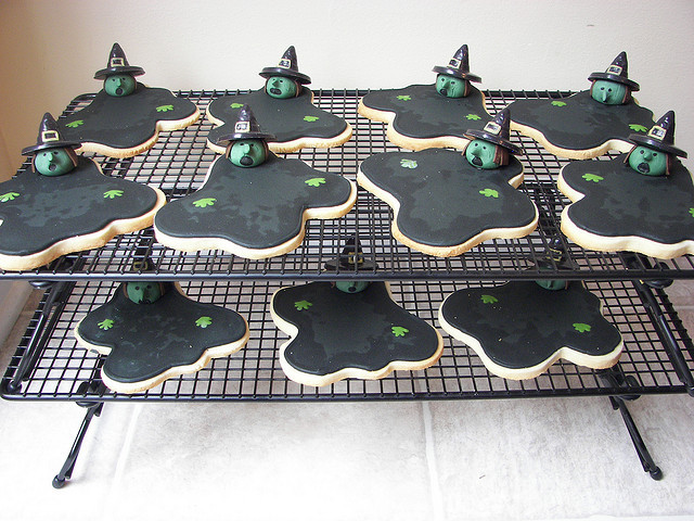 laughingsquid:  Melting Wicked Witch of the West Cookies