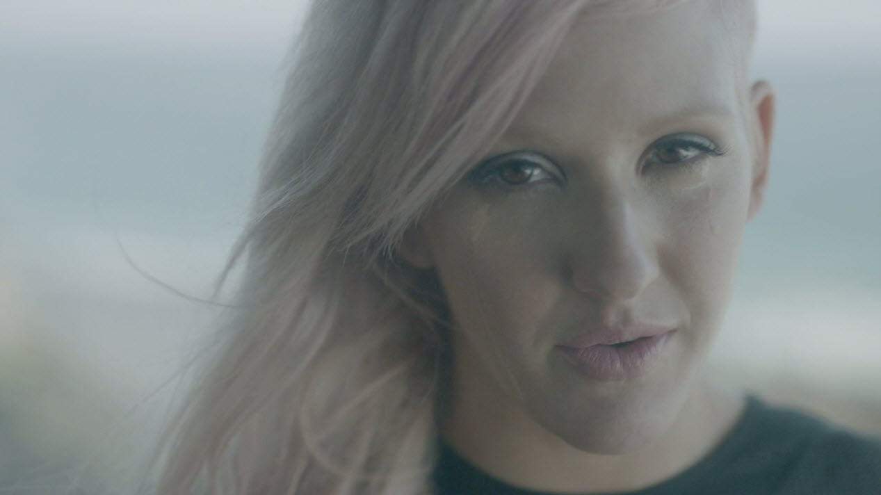 No Photoshop needed - Ellie Goulding