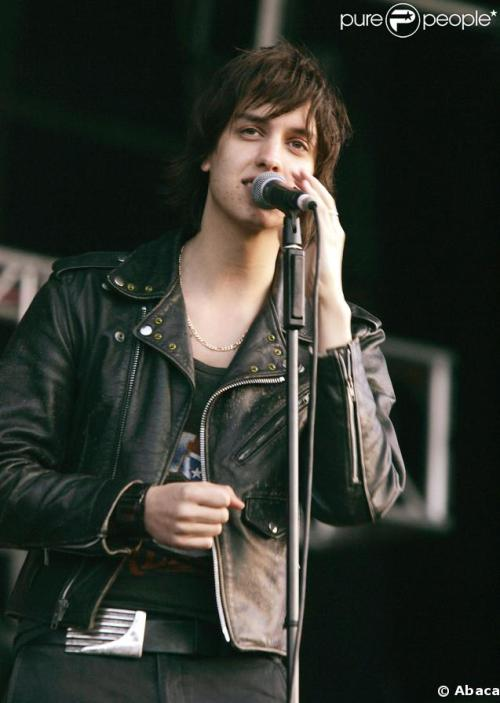 Can I just say young Julian Casablancas is super cute.