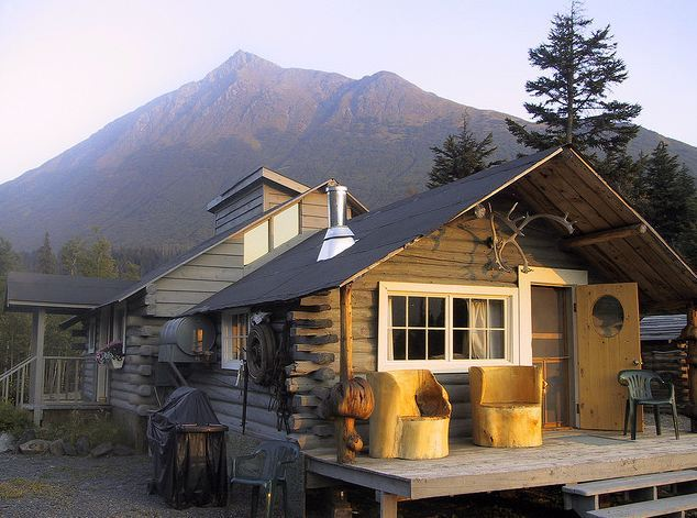 outsidethecity:  alaska outside the city's 50 cabins