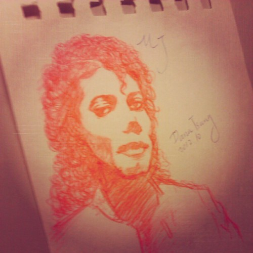 Todays doodle.#drawbydanamj #draw #drawings #doodles #michaeljackson #MJ #mjfans #red #instalife #kingofpop  (使用Instagram拍摄)