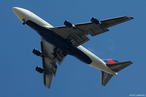 intermodal:  Delta Air Lines Boeing 747-451 N669US