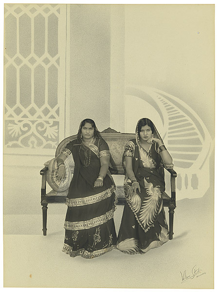 vintagesareeblouse:  Gara 1 (Chinese emboridered silk sarees). The one on the right seems to have a pretty spectacular bird of paradise.