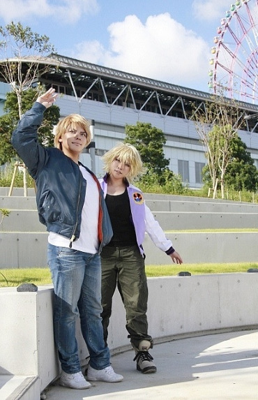 Excuse me while alskmaksmaks over this awesome cosplay of Tiger & Bunny's Keith and Ivan. Kaijirou cosplays Keith with Akechi as Ivan.