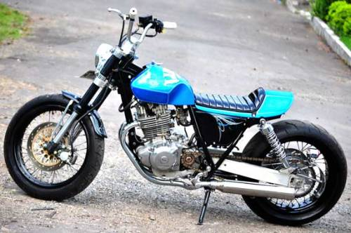 A customised Suzuki Thunder 250cc. While it is a combination of custom styles, it still works IMO. What do you think?  Like us on