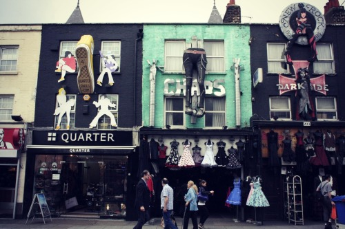 minilondon:  beautiful shops in camden town.. :)  Great :-o