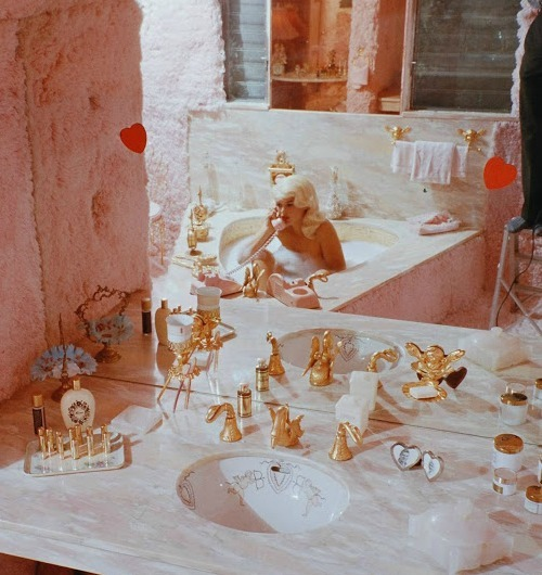marilynandjayne:  1961: Jayne in The Pink Palace by Life Magazine
