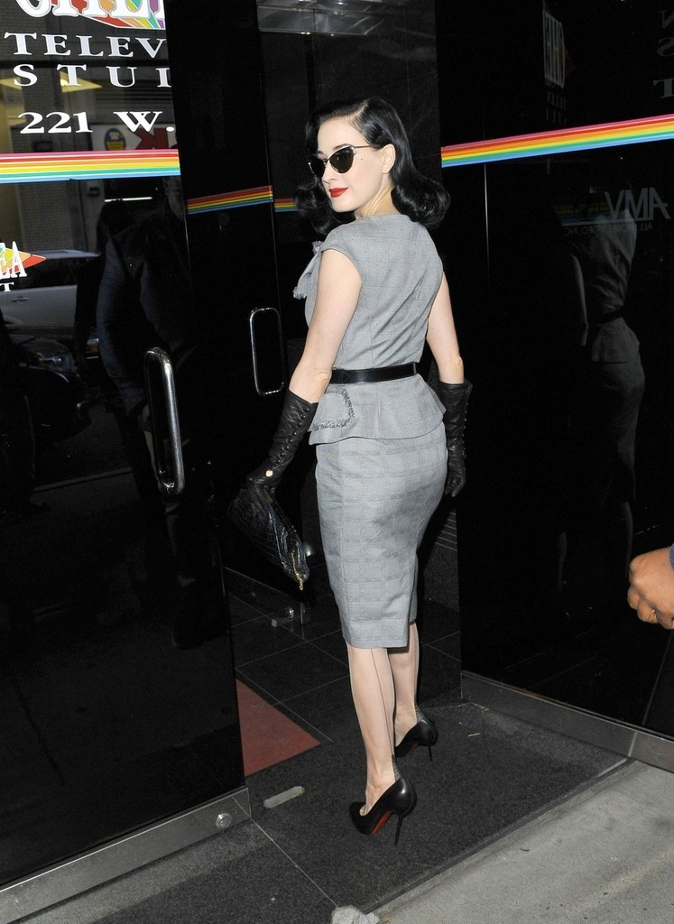 suicideblonde:  Dita Von Teese in NYC, October 16th