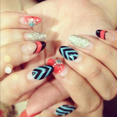 My friends crazy funky nails!!! - @chrisellelim- #webstagram  http://bit.ly/Ry60K2