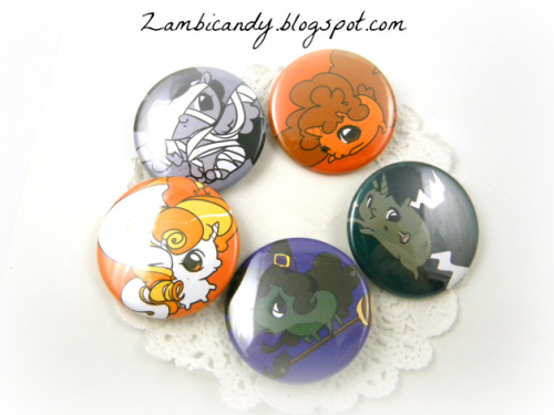 2 Halloween goodie bags (that include these buttons) left in my shop~