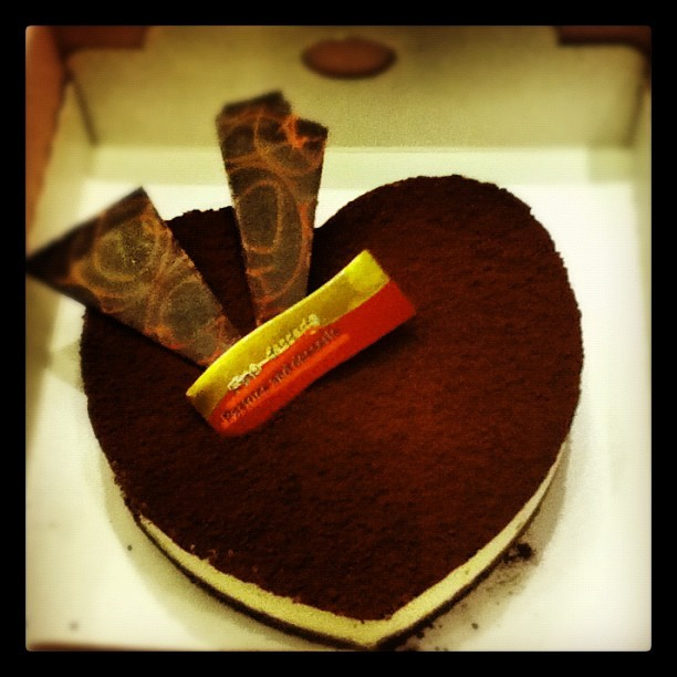 Love is sweeter the second time around? I don't know. But this Chocolate Mousse sure looks delicious! #dessert #chocolate #mousse #formosa #yummy #foodporn  (Taken with Instagram)
