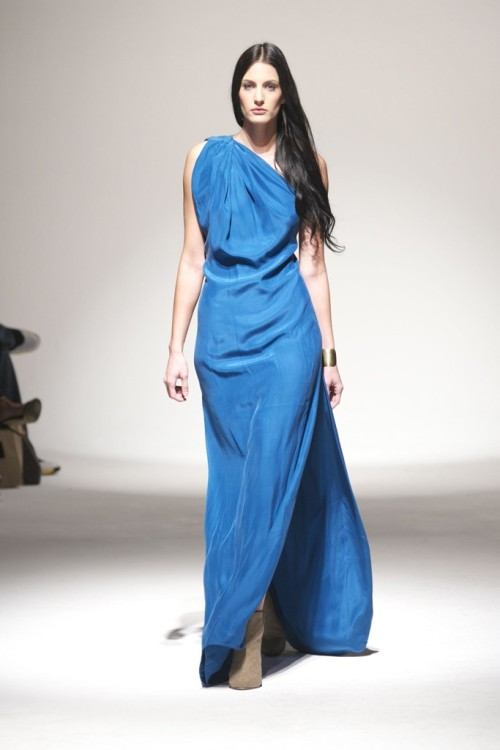 womensweardaily:   Mike Vensel RTW Spring 2013 Photo by Katie Jones Designer and photographer Mike Vensel sticks with what he knows works for him: simple, body-conscious silhouettes in solid silk and jersey.  For More For all WWD.com's LA Fashion Week Coverage