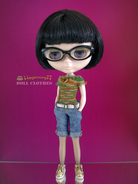 Blythe doll in hand knitted elastic camo top and knee length worn washed blue denim jeans pants with real pockets and belt on Flickr.Doll clothes and photo made by Hegemony77