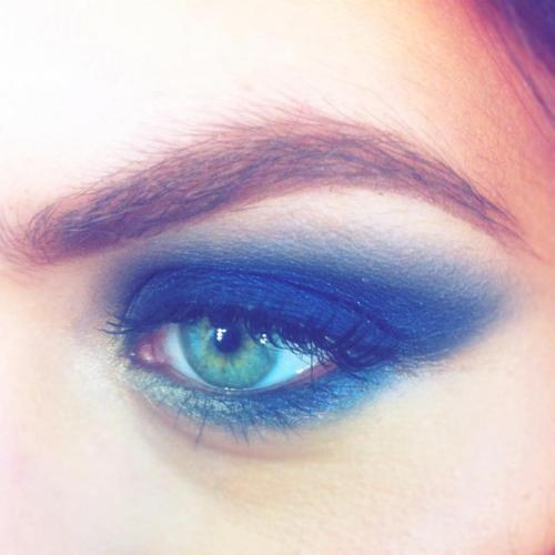 karlapowellmua:  My Top Tips for Doing Photography Eye Make-up Yesterday I did a photo-shoot in London and I created a very bold midnight-blue smoky eye look which I tweeted out and put on my Facebook page. I had some lovely comments and feedback from the look I created and it got me thinking to do a blog post on some eye make-up photography tips which I know will be really useful for some of my followers. Matte - Although shimmer can look great when applied properly like I have done in the inner corner of this look(above) if you are a little unsure about what to do, it's always safe to go with matte colours as this can make the eye look, look washed out when the flash goes on the look.  Matte makeup won't reflect light, making it easy to photograph. Brows – I am HUGE fan on eyebrows and always fill them in my looks unless it is a bleached eye look I am specifically going for. The eyes and face will look so much more complete if brows are looking polished and the lighting will wash the brows out when pictures are being taken. Always use a powder product to fill brows in as the heat from the lights can melt cream products. Colours- Makeup will always photograph two shades lighter! Makeup doesn't translate as vibrant in photographs! Powder - Even if the makeup look is applied perfectly, if your model looks shiny in pictures it can ruin the whole look and make more work for a retoucher to make the skin not look so shiny in the pictures. Once the makeup look is complete, use a finishing or setting powder to make everything more matte or oil blotting sheets are perfect!  False lashes - 95% of my portfolio is full of all my models wearing false lashes, and they make all the difference suiting a variety of looks- natural, glam and creative and more! I hope some of my top tips help you out in the future when you are working on photo-shoots. Karla X