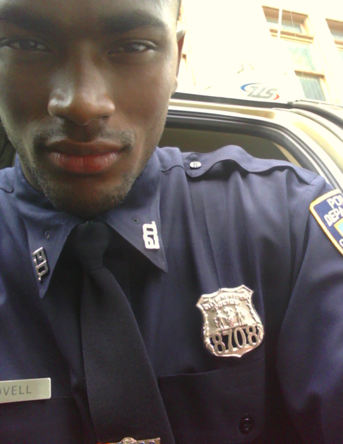 "red-bottom-dreams:  blackgirlsrpretty2:  ARREST ME OFFICER!!!!  Omg put me in handcuffs pleaseee!! 😍😍😍  Yeah, this is one officer I can tolerate. ""Yes, mr. Officer, I will assume the position. Go ahead and make the cuffs tighter. """