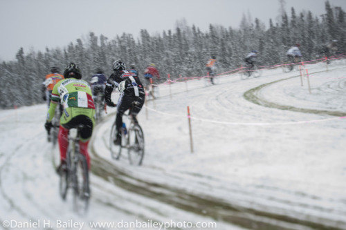 danbaileyphoto:  Cyclocross, Alaska style: Snow included.  In Alaska, they do it right.