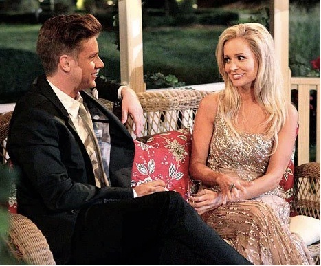 The evidence is certainly stacking up that Emily Maynard and Jef Holm broke up. Profile pics are getting changed, there are a lack of messages being written to each other, cryptic texts… click the pic to see all the info!