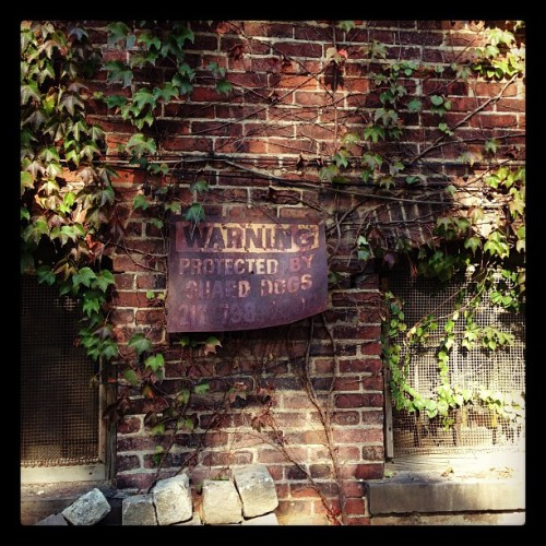 Wonder how many trespassers missed this one… #VintageSigns (Taken with Instagram at NYPD - Central Park Precinct)