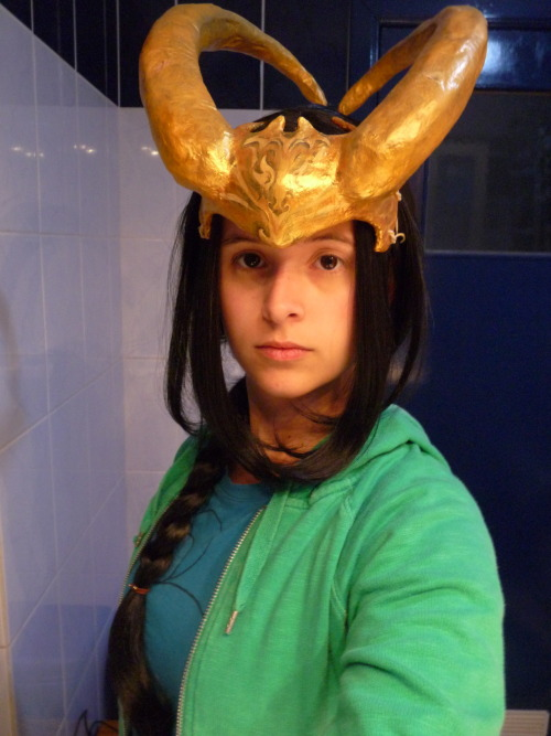 shinybumofleonardodavinci:  my lady loki horns ~ finally ready and fuck they are heavy … I'm so gonna die at the convention …