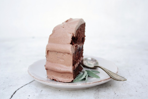 gastrogirl:  gluten-free chocolate layer cake.