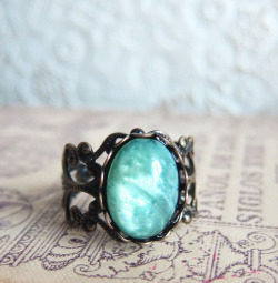 The Nostalgie Ring — JEWELSALEM