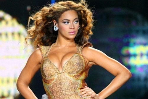 thedailywhat:  Beyonce Will Play The Super Bowl of the Day: Because of course she will. Yawn. [mtv]