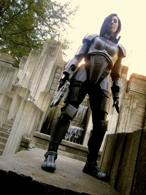 fuckyeahbiowarecosplay:  Commander Shepard from the Mass Effect series  Cosplayer: blaquewidow Photographer: Sam Stockman