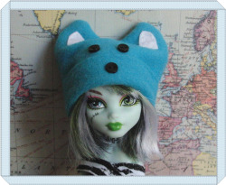 highsocietycyclops:  Monster High handmade blue bear hat. Made by me, available in my shop.