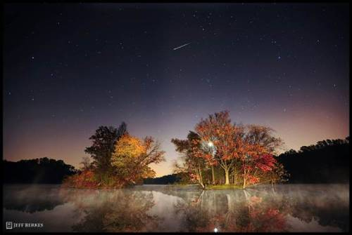 Orionid meteor shower to light up night skies this weekend (Photo: Jeff Berkes) A meteor shower spawned by history's most famous comet will peak this weekend, and the show could be dazzling for observers with clear skies, experts say. Read the complete story.