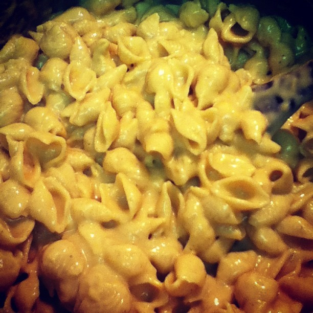 #vegan #macncheese my very first time experimenting w it…. Must admit it is delish!! #vegansofig #veganheaven #comfortfood (Taken with Instagram)