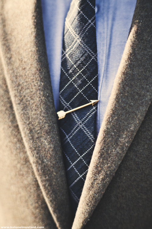 Merrin & Gussy: The Arrow Tie Bar one for January 20 plz thx // wai-nan:kolonelmustard
