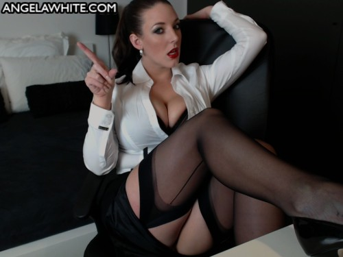 angelawhitexxx:  Reblog this or you're fired…