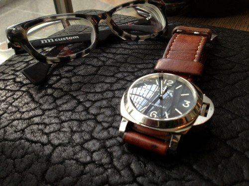Today's carry  Nackymade glasses Panerai iPad