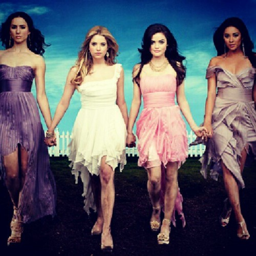 A will chase them soon. #excited #6daysmore #october23 #prettylittleliars #plladdict #pllfeed #pleasecomefast #tvaddict @pllphotos @pllfeed  (Taken with Instagram)