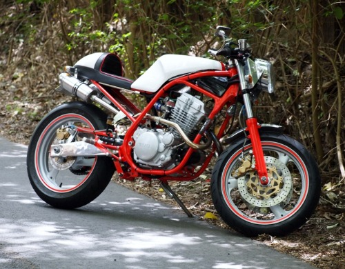 I've been following this build of a Yamaha SRX250 by Sydney customiser DnA Custom Cycles for ages as Darren is a perfectionist and just doesn't cut corners. If you'd like to see the time and effort that went into this amazing build you can check out the build threads here or here  17hp never looked so much fun. It still doesn't as DnA put a 350 kit on the bike so it'll no doubt produce a few more ponies. Check out all the pics here EDIT: This bike has just been listed on  Like us on