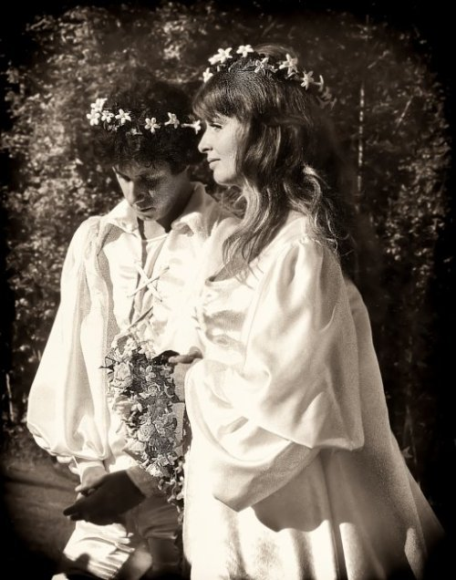Arlo and Jackie Guthrie, 1969 wedding day