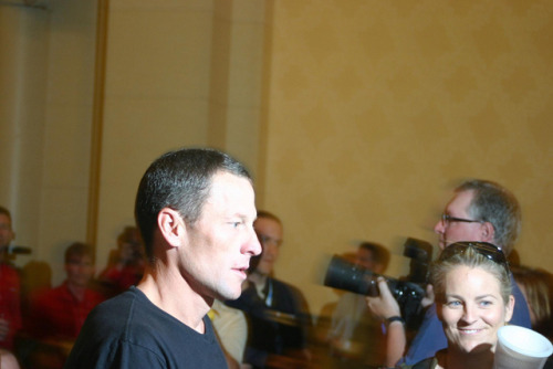 fastcompany:  Ulman says donations went up after Lance Armstrong initially quit fighting doping allegations. But after much more damning evidence of an Armstrong-lead, extensive doping conspiracy, Nike has dropped Armstrong, and he's resigned from the cancer charity. Can Livestrong still survive?  Photo: Richard Masoner / Cyclelicious on Flickr  Wtf. Poor guy. I've always loved Lance and thought he was a total stand up guy.